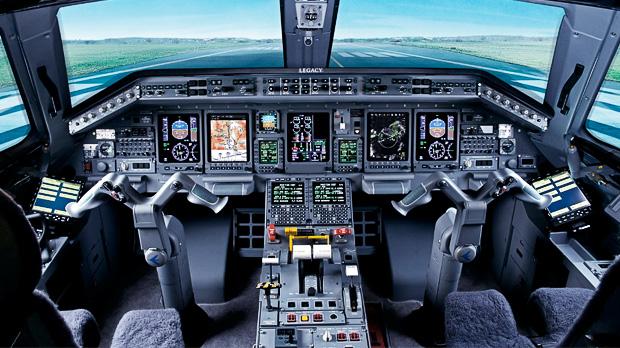 Legacy_Corporate_Jet_Honeywell_Avionics